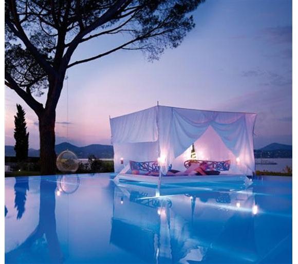 Habitaciones y dise os de ensue o tienda de decoraci n for Habitaciones con piscina dentro