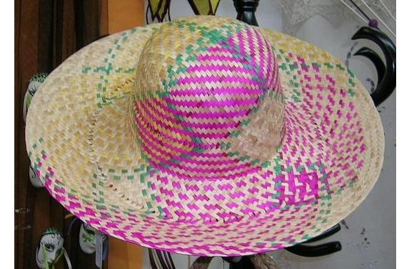Sombrero o borsalino de paja