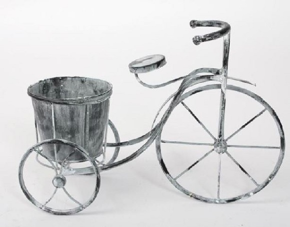 triciclo de forja decorativo